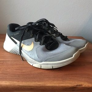 Nike Metcon 2 Grey/Black-Gold